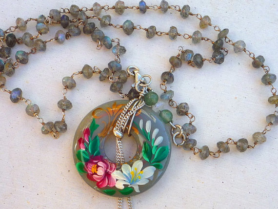 Labrdorite semiprecious stones chain necklace with hand painted Calchedony donat pendant.